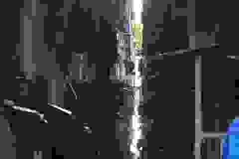 """Di dời 11 hộ dân cư ngụ tại chung cư """"dọa"""" sập"""