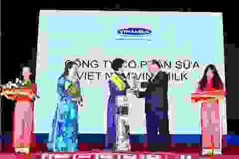 Vinamilk được vinh danh thương hiệu vàng thực phẩm Việt Nam 2014