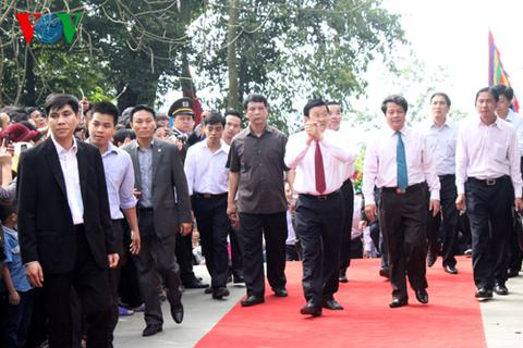 Chủ tịch nước dâng hương tại khu di tích Đền Hùng