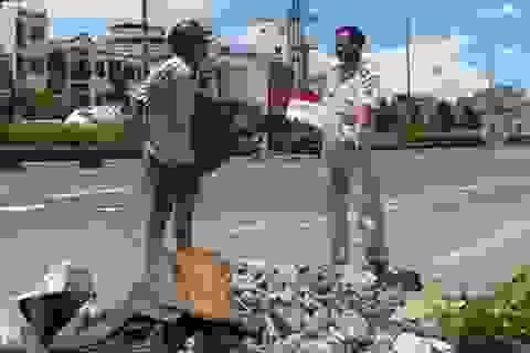 Thưởng 200.000 đồng mỗi tin báo đổ rác bậy