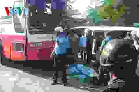 Xe khách từ Việt Nam va chạm xe công nhân tại Campuchia, 21 người chết
