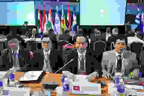 Đại tướng Trần Đại Quang tiếp xúc nhiều quan chức cấp cao dự Hội nghị tại Nga