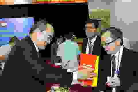 Giáo sư Nguyễn Thiện Nhân kêu gọi trí thức kiều bào giải 5 bài toán phát triển đất nước