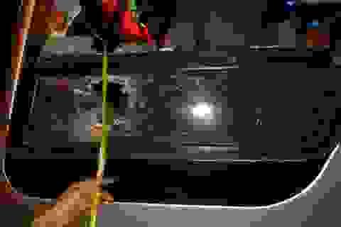 Bắt 4 đối tượng dùng ná cao su bắn và ném đá vào xe khách