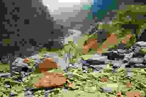 Lấp sông Nậm Na để mở đường - sự tàn độc vô biên!