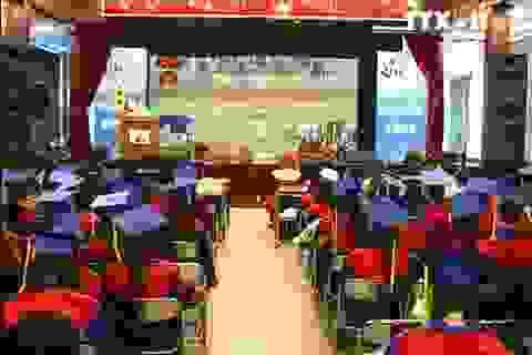 Trao bằng tốt nghiệp cho 2.161 sinh viên khoa Tài chính - Ngân hàng