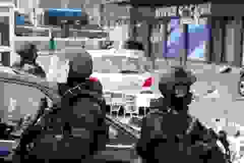 """Pháp bắt 5 người Nga """"âm mưu khủng bố"""""""