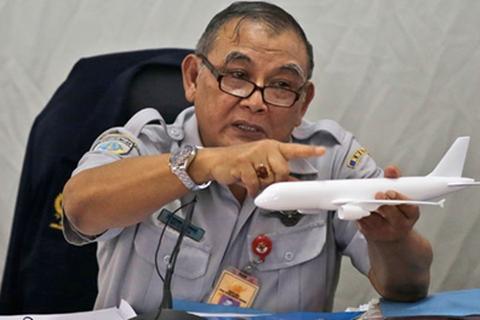 Indonesia bác tin cơ trưởng QZ8501 rời ghế tiến hành thao tác bất thường