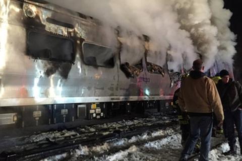 Mỹ: Tàu hỏa đâm vào ô tô, 6 người chết