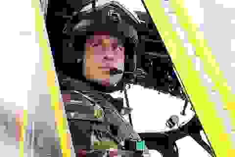 Hoàng tử William làm phi công cứu thương
