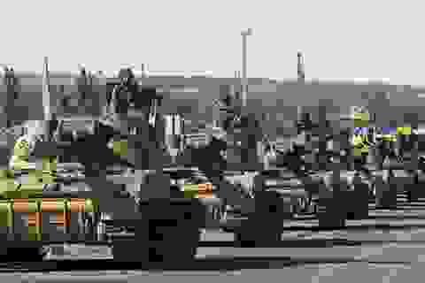 Xe tăng Ukraine ồ ạt tấn công phe ly khai tại miền Đông
