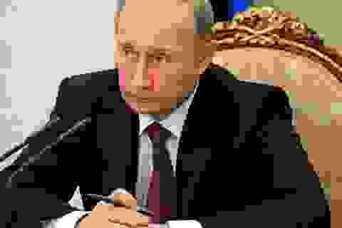 Ông Putin tiết lộ về 2 thời khắc khó khăn khi làm Tổng thống