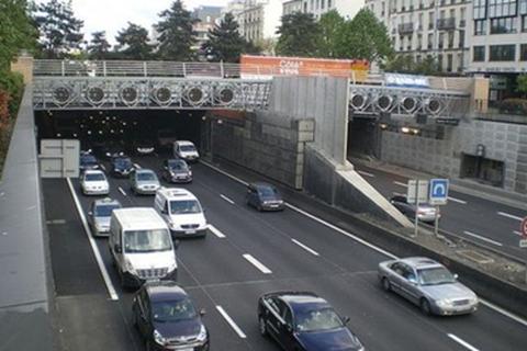 Pháp: Táo tợn vụ cướp 5,4 triệu USD nữ trang trong đường hầm