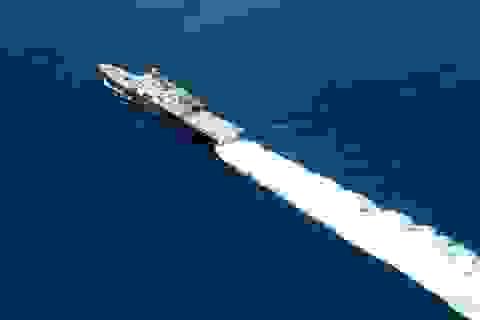 Video tàu Trung Quốc đeo bám chiến hạm Mỹ gần quần đảo Trường Sa