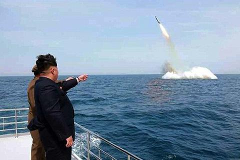 Hàn Quốc theo dõi khả năng Triều Tiên sắp phóng tên lửa