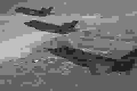"""""""Niềm tự hào"""" F-35 của Mỹ thất thế trước phi cơ F-16"""