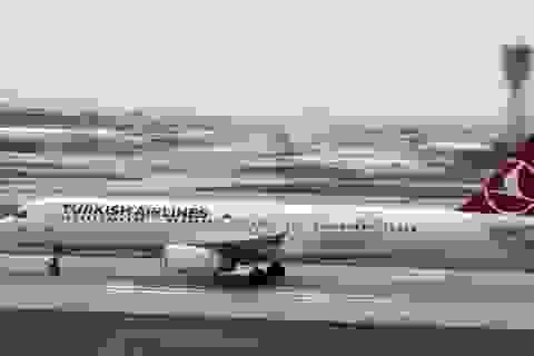 Bị dọa bom, phi cơ chở 148 người hạ cánh khẩn tại Ấn Độ