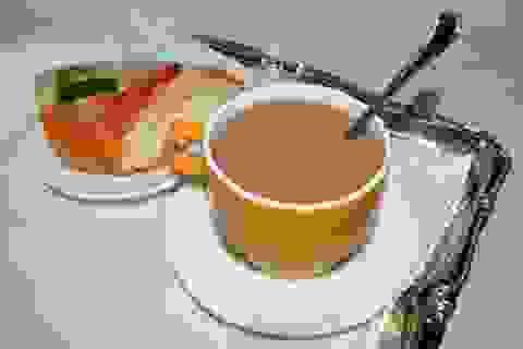 Màu sắc của cốc ảnh hưởng đến hương vị sôcôla nóng