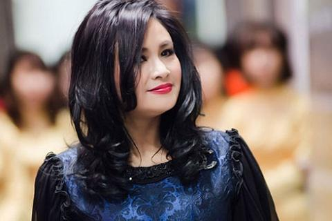 Mẹ ca sĩ Thanh Lam nói về cú vấp đầu đời của con