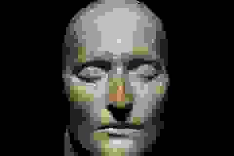 Đấu giá mặt nạ của Napoleon lúc qua đời