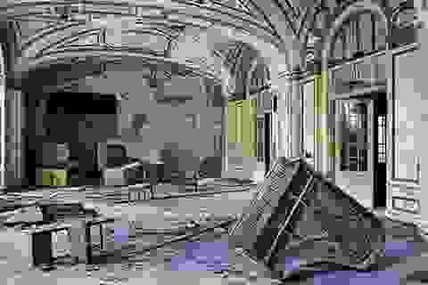 Hình ảnh đổ nát của thành phố vừa tuyên bố phá sản