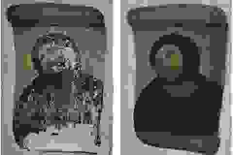"""Nhà thờ hút khách du lịch nhờ...  bức tranh """"thảm họa"""""""