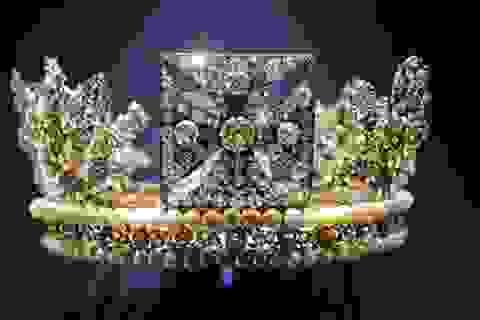 Y phục lộng lẫy trong lễ đăng quang của nữ hoàng Elizabeth II