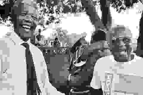 Chuyện về nhiếp ảnh gia theo chân tổng thống Mandela 60 năm