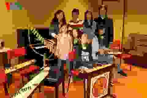 Truyền dạy nhạc dân tộc Việt Nam trên đất Đức