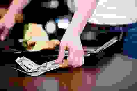 """Người Việt Nam """"chặt chẽ"""" trong văn hóa tiền """"boa""""?"""