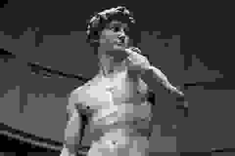 Tượng David của Michelangelo có thể đổ sụp bất cứ lúc nào