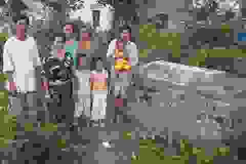 Sóc Trăng: Bố bán đất trái pháp luật, 9 người con rơi vào cảnh khốn đốn