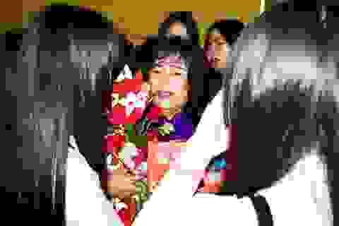 Xúc động ngày lễ tri ân trưởng thành cho học sinh lớp 12