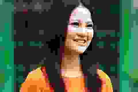Hoa hậu Trần Thị Quỳnh đẹp dịu dàng như cô giáo