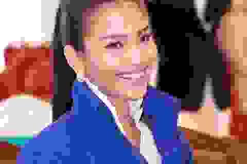 Á hậu Trương Thị May đẹp rạng ngời làm giám khảo thời trang