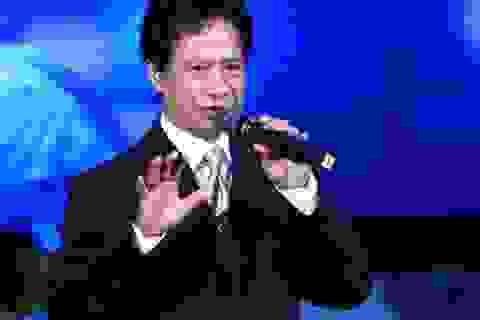 Chế Linh tái ngộ khán giả thủ đô để kể chuyện cuộc đời