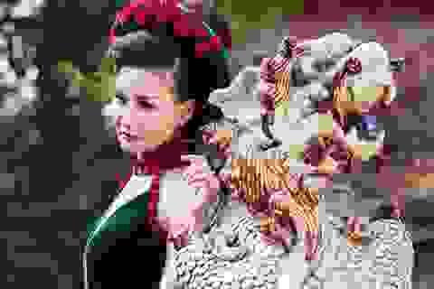 Hoa hậu Quý bà châu Á khoe sắc trong áo dài cung đình