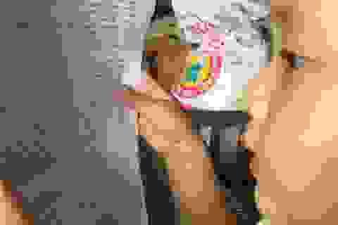 Bé trai hơn 3 tuổi đọc chữ vanh vách