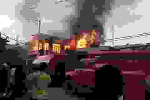 Vụ cháy nhà 2 người chết: Nhiều người nhảy lầu thoát thân