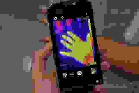Smartphone đầu tiên tích hợp camera cảm biến nhiệt gây ấn tượng tại MWC 2016