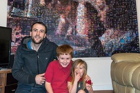 """Bố ghép ảnh """"khổng lồ"""" từ gần 2.000 bức ảnh nhỏ của con"""