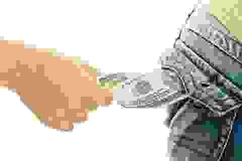 Lấy cắp của bạn học 10 xu, 40 năm sau trả lại 1.500USD vì hối hận
