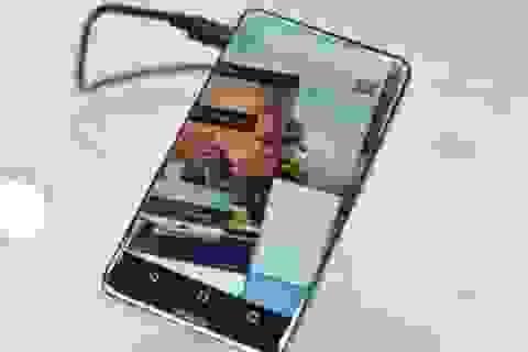 Sharp giới thiệu nguyên mẫu smartphone với màn hình chiếm trọn mặt trước