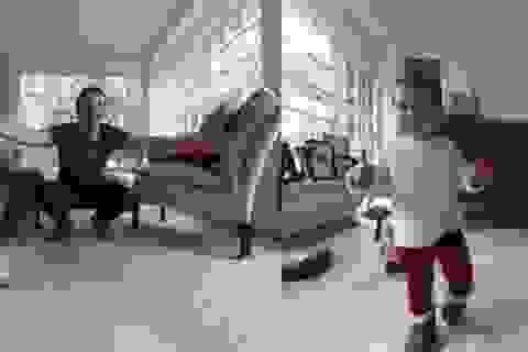 CEO Facebook khoe những bước đi đầu tiên của con gái theo cách đặc biệt