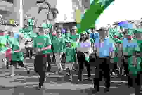 Hơn 10.000 người đi bộ vì thế hệ trẻ em năng động hơn