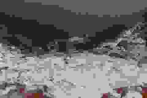 Tuyết rơi phủ trắng bản làng ở Thanh Hóa