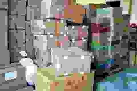 Bắt xe container chở 1,3 tỷ đồng hàng lậu ra Hà Nội tiêu thụ