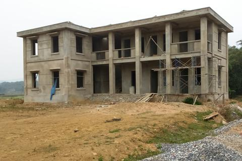 Trạm y tế tiền tỷ bị bỏ hoang ở xã nghèo