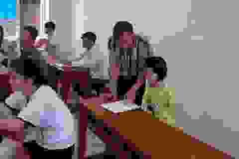 Ước mơ giản dị của nữ sinh không tay dự thi THPT quốc gia