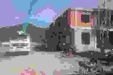 Thanh Hóa: San đất làm nhà lấn chiếm luôn cả đất công và đất hàng xóm